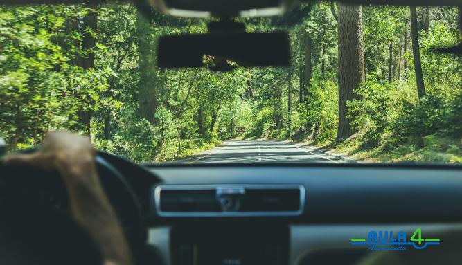 Descubre cómo hacer un viaje largo en coche