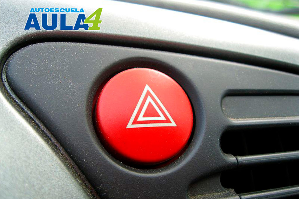 Botón de luz de emergencia.